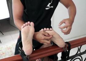 Tickle Games With Warren
